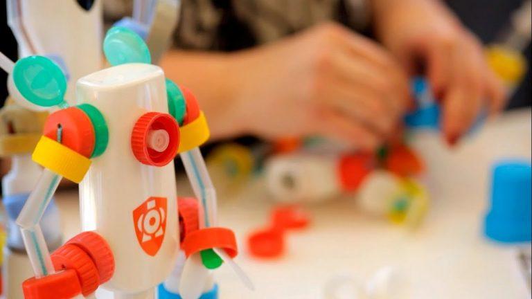 Robots hechos con materiales reciclados, un regalo original y ecológico