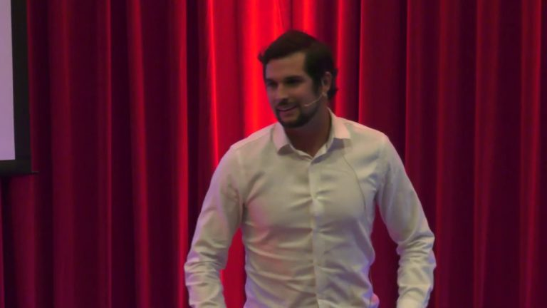 Hacerte amigo del fracaso para alcanzar tus sueños   Daniel Bonifaz   TEDxUPC