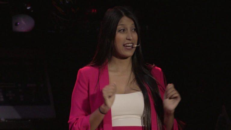 ¿Cómo hacer dinero en un mundo sin trabajos?   Karen y Daniela Carvajalino   TEDxLaCastellana