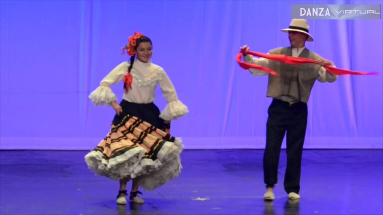 "DANZA virtual bailando ""BAMBUCO"" -Colombia."