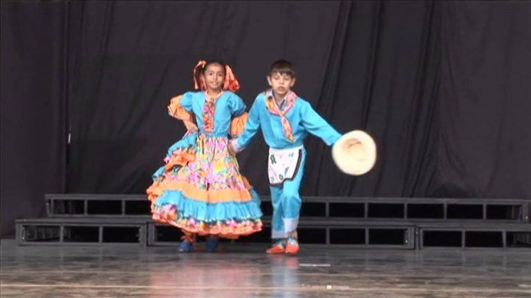 """DANZA virtual. """"PASILLO"""" Los Niños de Colombia Bailan."""